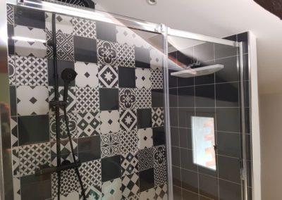 douche colonne pour deux avec douche d'épaules enveloppante