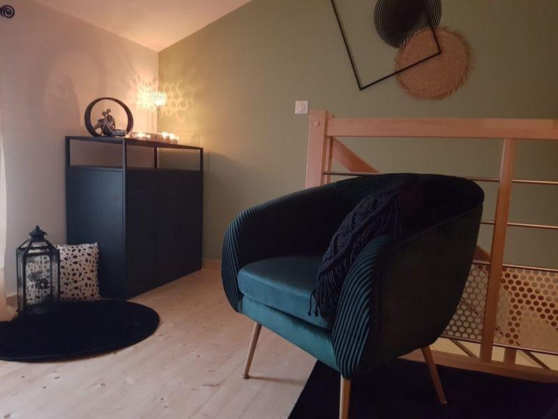 confort sofa étage gîte échappée romantique